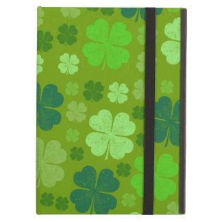 Étui iPad Air Le jour de Patrick de saint, trèfles chanceux -