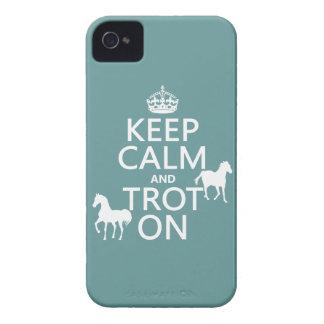 Étui iPhone 4 Gardez le calme et trottez dessus - des chevaux -