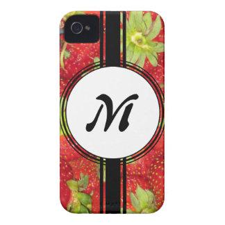 Étui iPhone 4 Monogramme sain d'ajustement de fraise mignonne