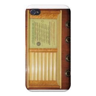 Étui iPhone 4 Radios vintages en bois
