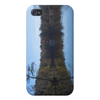 Étui iPhone 4 Réflexions de ciel bleu - le comté de Beaufort, OR