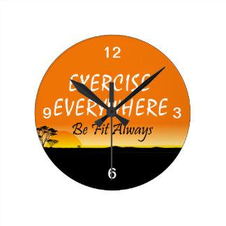 Exercice SUPÉRIEUR partout Horloge Ronde