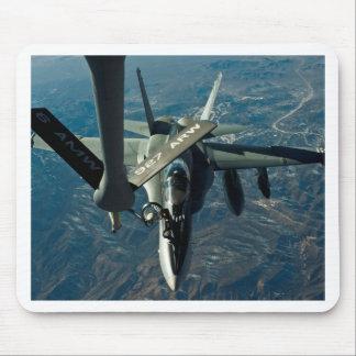 F/A 18 réapprovisionnant en combustible Tapis De Souris