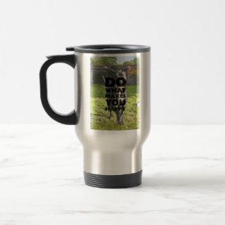 Faites ce qui vous fait Labrador heureux jouant Mug De Voyage