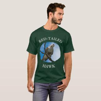Faucon sur le T-shirt foncé de base des hommes de