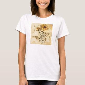 Fée avec le T-shirt de fleur