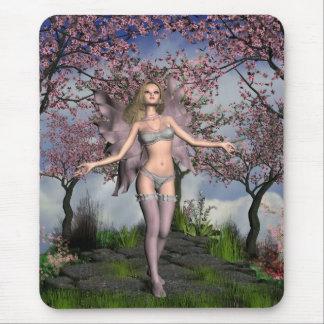 Fée de fleurs de cerisier avec l'arrière - plan de tapis de souris