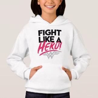Femme de merveille - combat comme un héros