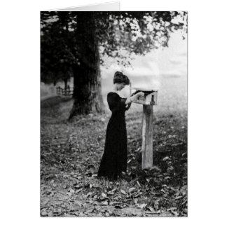 Femme victorienne de boîte aux lettres vintage carte