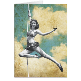 Femme vintage de trapèze avec du vin carte de vœux