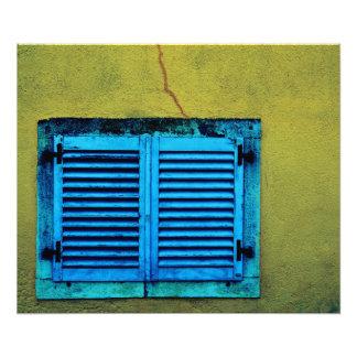 Fenêtre en bois fermée photographies