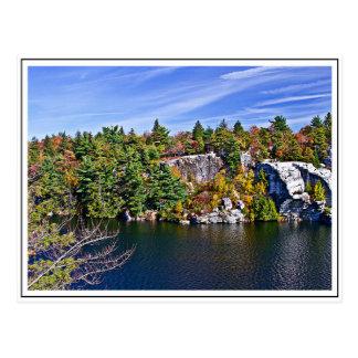 Feuillage d'automne autour de lac Minnewaska Carte Postale