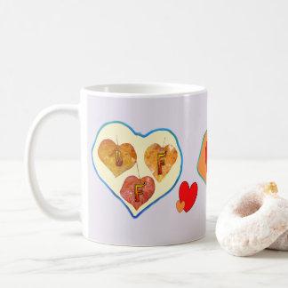 Feuille de BFF 3 dans la tasse de café de coeur