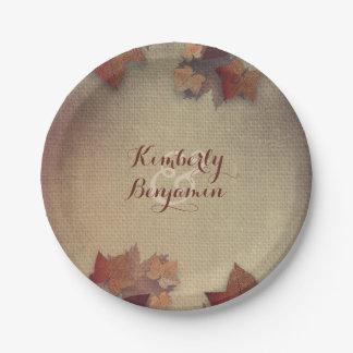 Feuille d'érable de Bourgogne et automne rustique Assiettes En Papier