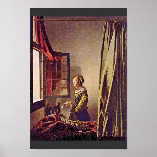Fille lisant une lettre une fen tre ouverte par poster for Une fenetre ouverte