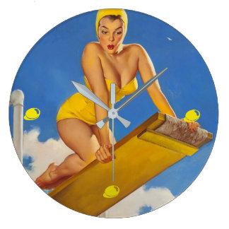 Fille vintage de pin-up de nageur de conseil de grande horloge ronde
