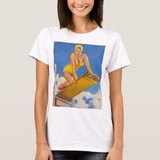 Fille vintage de pin-up de nageur de conseil de t-shirt