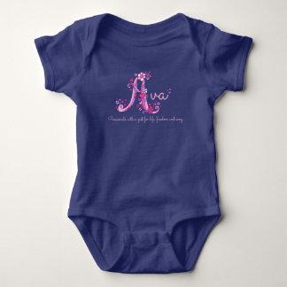 Filles nom d'Ava et habillement de bébé de la Body