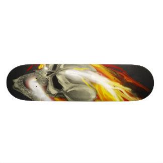 flamboyant-crâne-coloré plateau de planche à roulettes