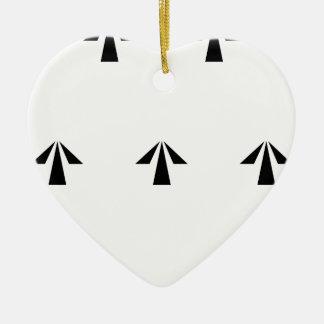 Flèches de prison ornement cœur en céramique