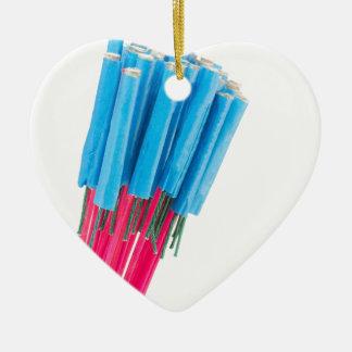 Flèches du feu de groupe pour la veille de ornement cœur en céramique