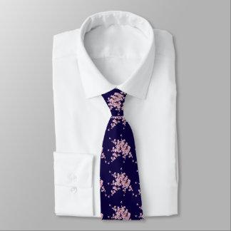 Fleur de cerisier pour une cravate