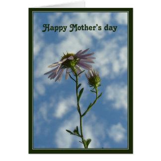 Fleur heureuse du jour de mère dans le ciel carte de vœux