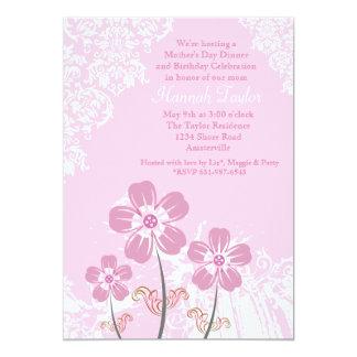 Fleurs et invitation du jour de mère de dentelle