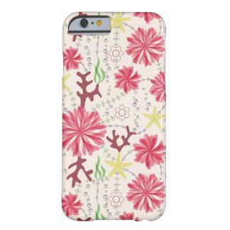 Fleurs marines sur le coque iphone