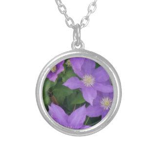 fleurs pourpres collier