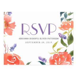 Fleurs rouges lunatiques d'aquarelle épousant RSVP Carte Postale