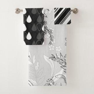 Floral noir et blanc avec des rayures et des