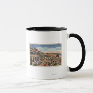 Foules sur la plage devant le casino mug