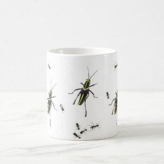 Fourmis et sauterelle mug