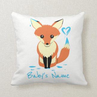 Fox peignant le coussin bleu de nom de bébé de