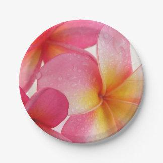 Frangipani rose assiettes en papier