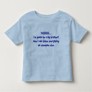Frère de faire-part de bébé - quelqu'un à blâmer t-shirt pour les tous petits