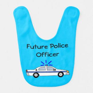 Futur bavoir de voiture de policier pour le bébé