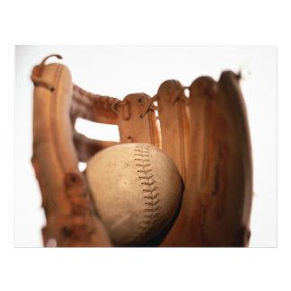 Gant et boule de base-ball prospectus 21,6 cm x 24,94 cm