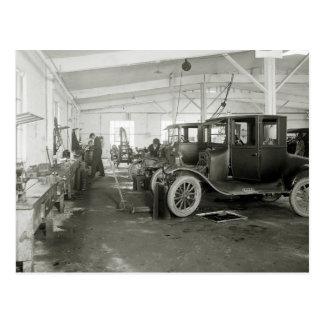 Garage de réparation de voiture ancienne, les cartes postales