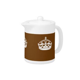Gardez la couronne calme sur le décor de Brown