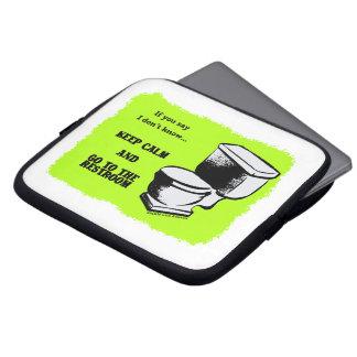 Gardez le calme et allez aux douilles de toilettes protection pour ordinateur portable