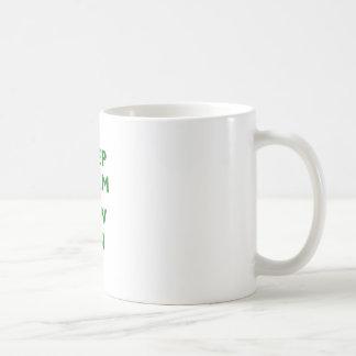 Gardez le calme et cousez dessus mug