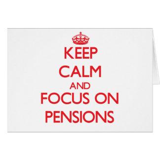 Gardez le calme et le foyer sur des pensions cartes de vœux