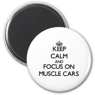 Gardez le calme et le foyer sur des voitures de mu