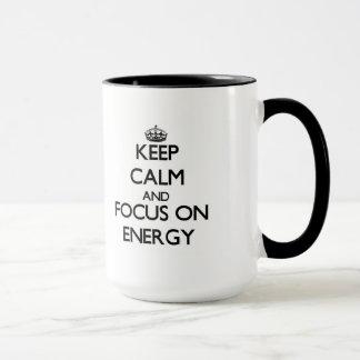 Gardez le calme et le foyer sur l'ÉNERGIE Mug
