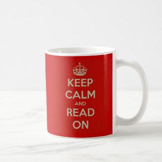 Gardez le calme et lisez dessus mug blanc