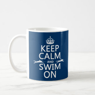 Gardez le calme et nagez sur (dans toute couleur) mug