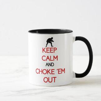 Gardez le calme et obstruez-les tasse de café