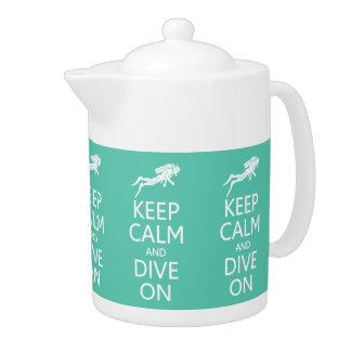 Gardez le calme et plongez sur la théière faite su